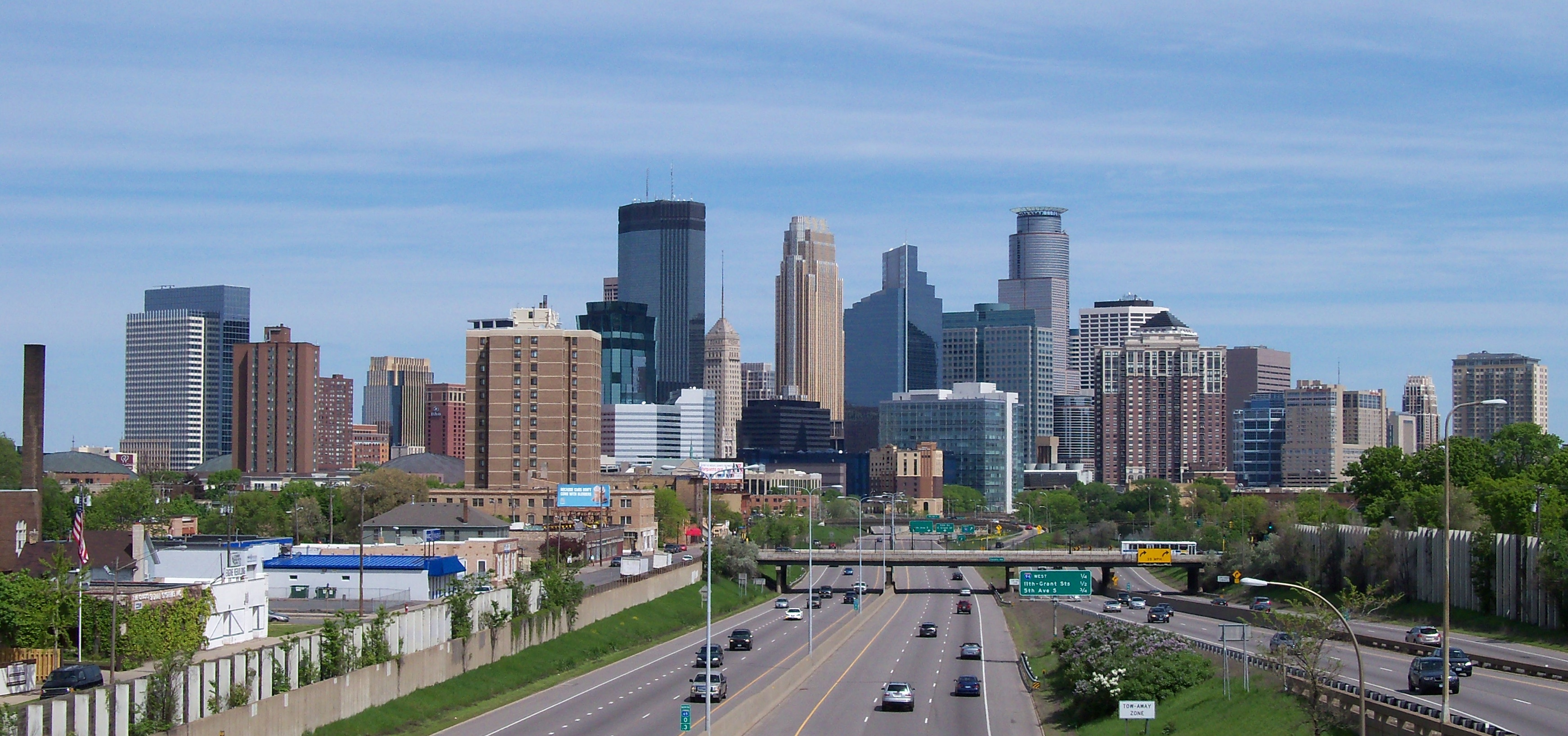 Minneapolis skyline 151 - By AlexiusHoratius (Own work) [CC BY-SA 3.0 (https://creativecommons.org/licenses/by-sa/3.0) or GFDL (http://www.gnu.org/copyleft/fdl.html)], via Wikimedia Commons